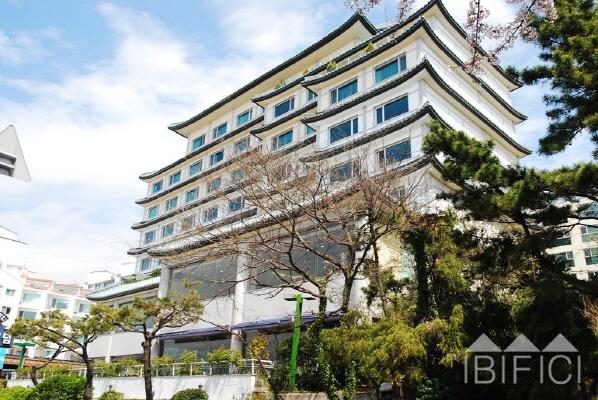 일루아 호텔